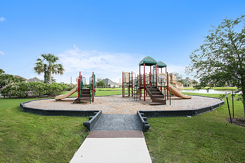 The children's area contains two separate areas of play – one for ages 2-5, and one for ages 5-12.